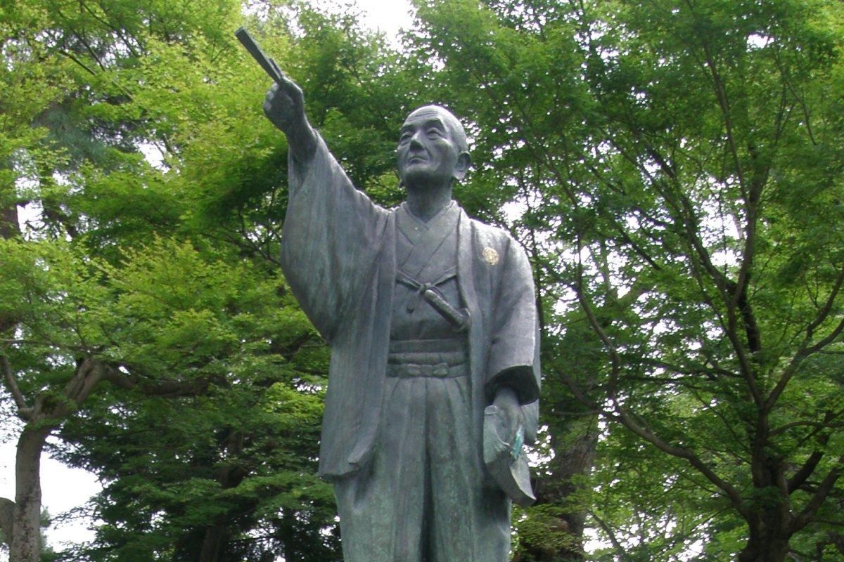 上杉鷹山像(米沢市・上杉神社)