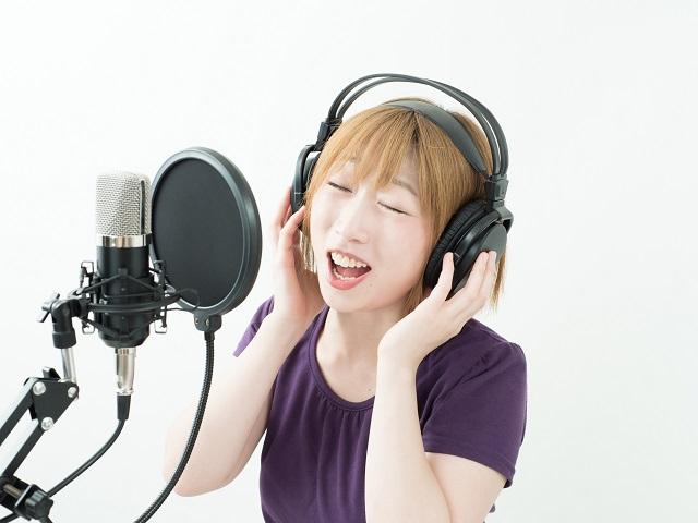 女性歌手のレコーディング